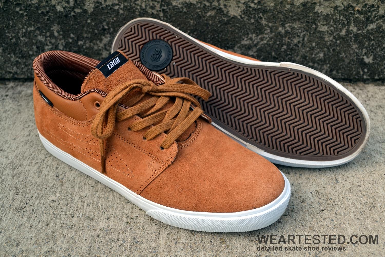 Le fil de les chaussures de gangster : Matériel certifié